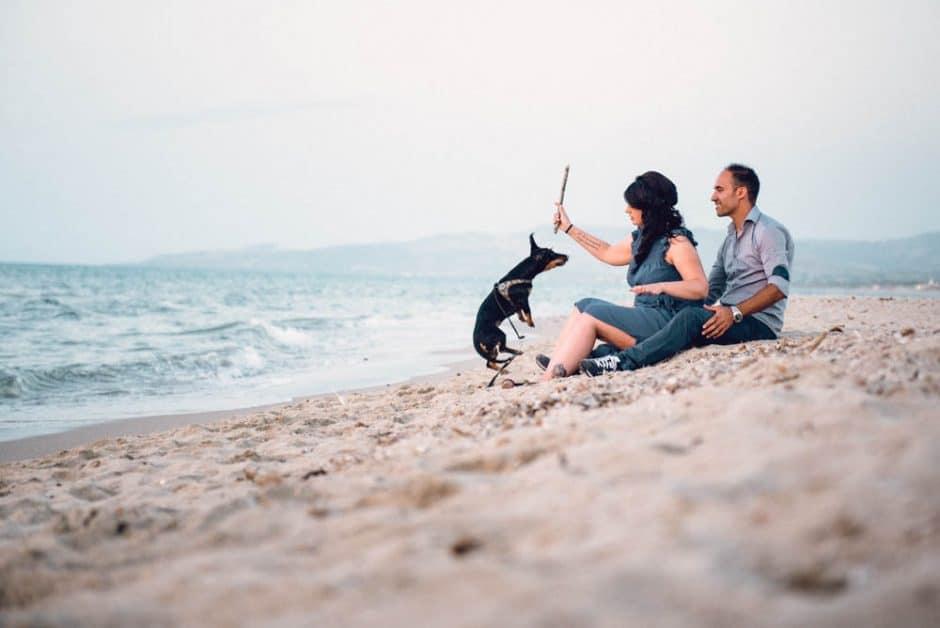 foto di coppia al mare in sardegna