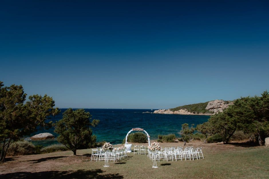Beach wedding. Baja Sardinia. Olbia.