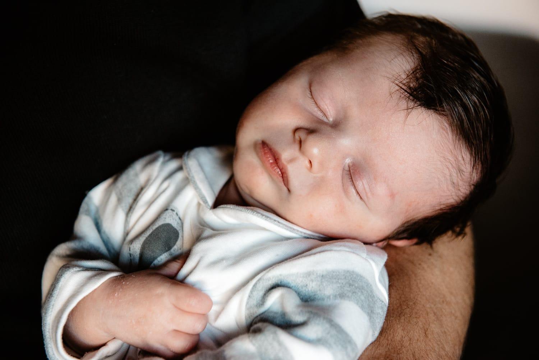 Fotografia newborn lifestyle oristano.
