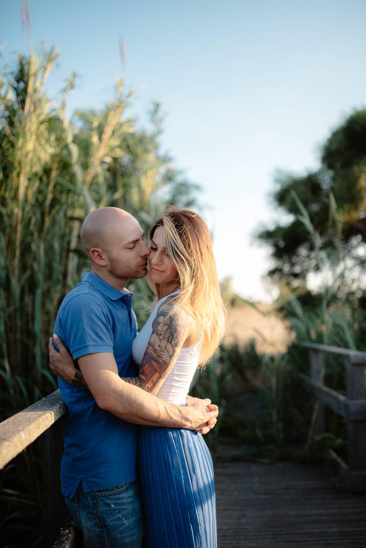 fotografia di coppia in un campo sassari