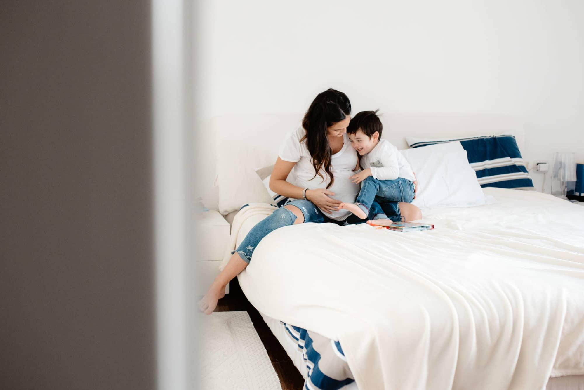 Fotografia lifestyle di famiglia in casa