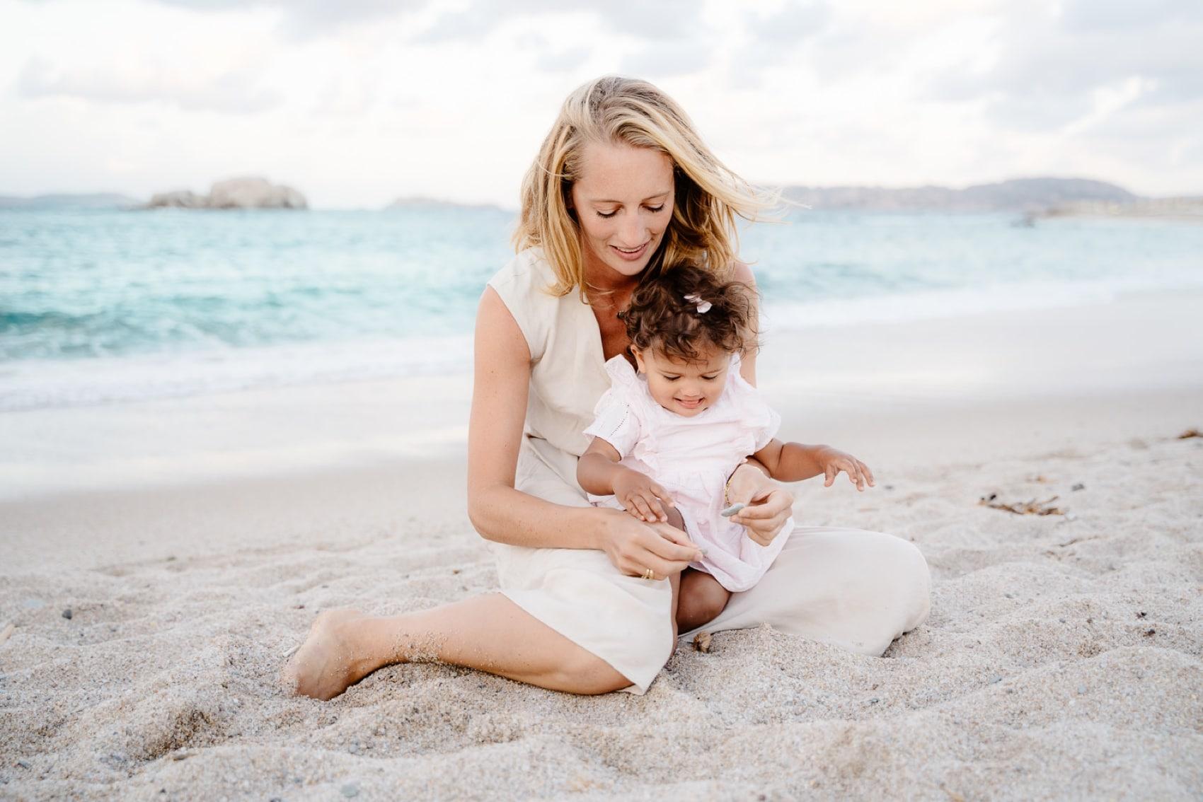 mamma e figlia foto al mare valle dell'erica