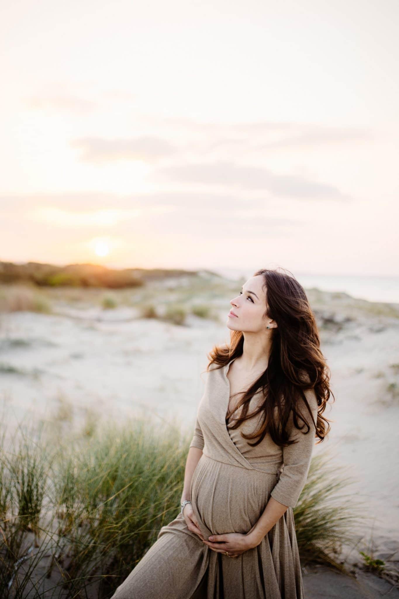Fotografo di gravidanza a Sassari, al mare.